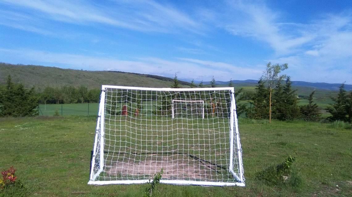 alojamiento rural para familias con niños campo de fútbol
